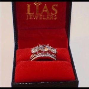 New 18 k white gold wedding ring set with box
